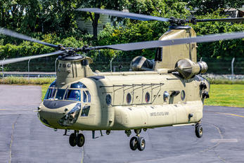 16-08200 - USA - Army Boeing CH-47F Chinook