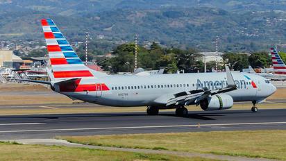 N907AN - American Airlines Boeing 737-800