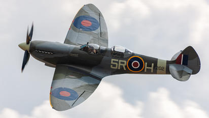 G-CCCA - Aircraft Restoration Co, Supermarine Spitfire T.9