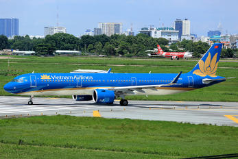 VN-A622 - Vietnam Airlines Airbus A321 NEO