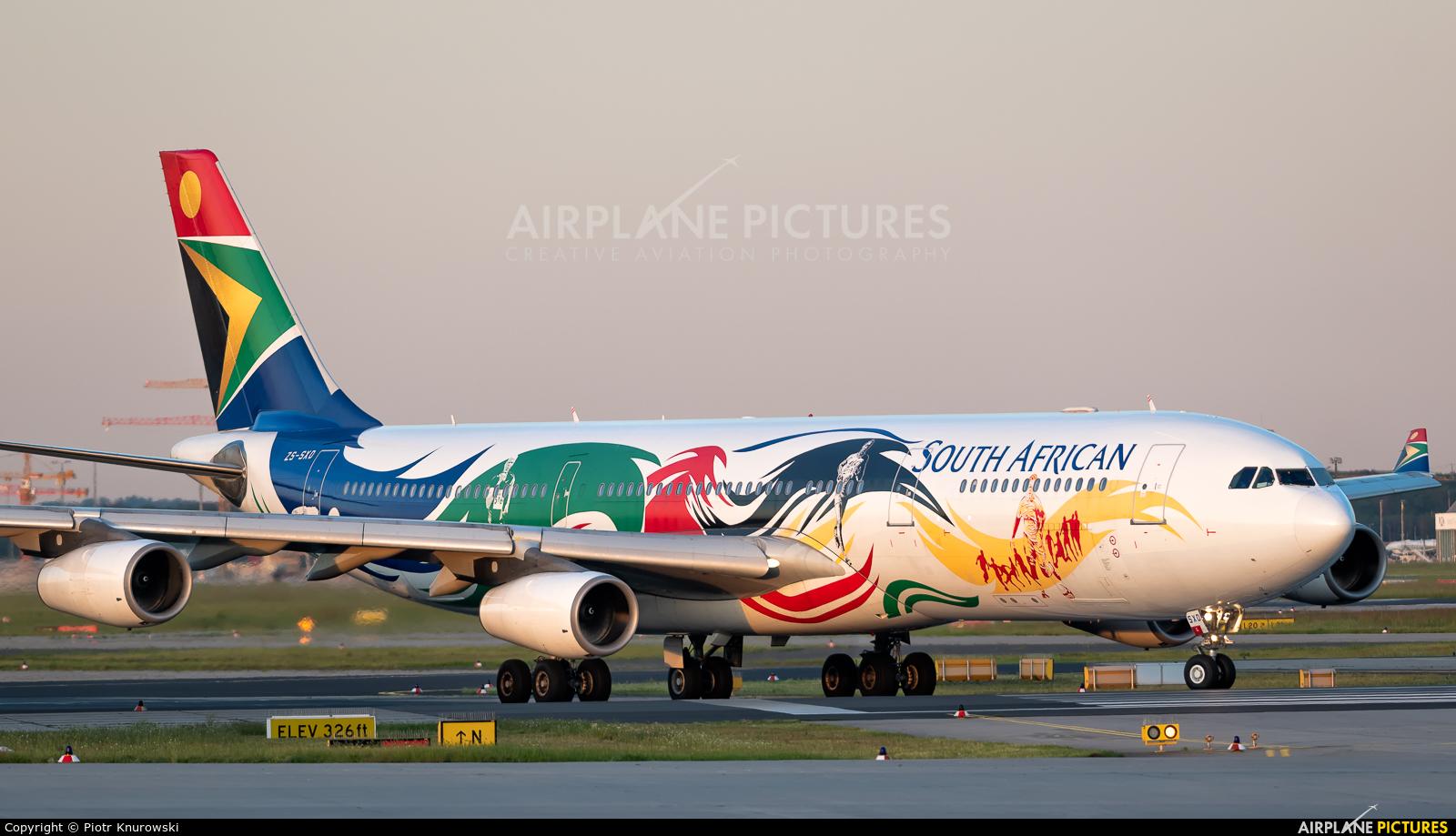 South African Airways ZS-SXD aircraft at Frankfurt