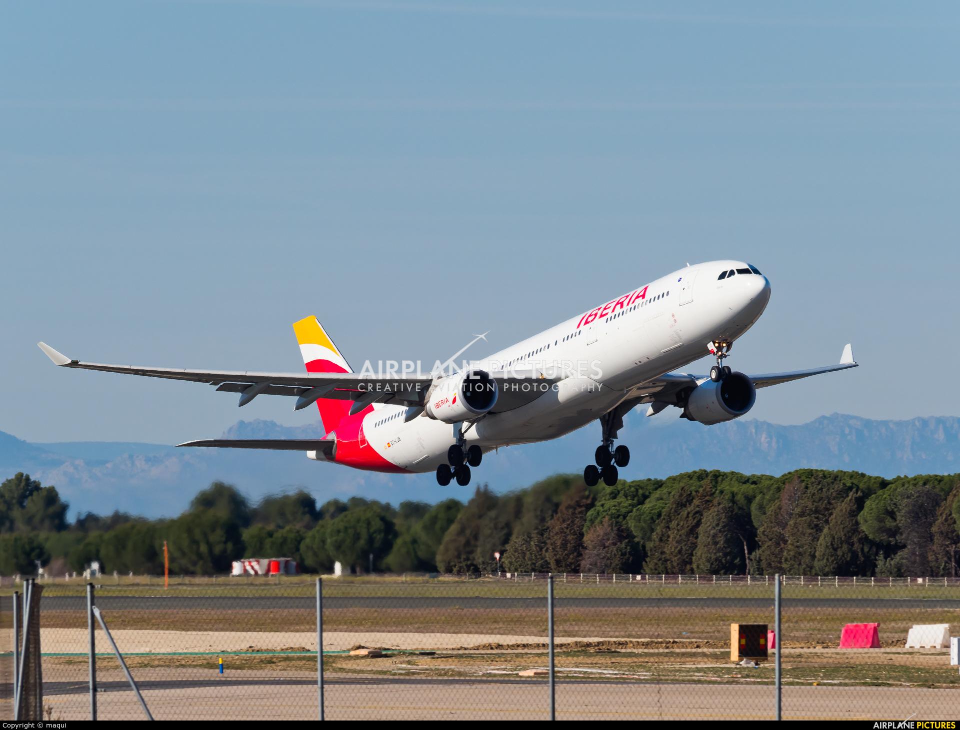 Iberia EC-LUB aircraft at Madrid - Barajas