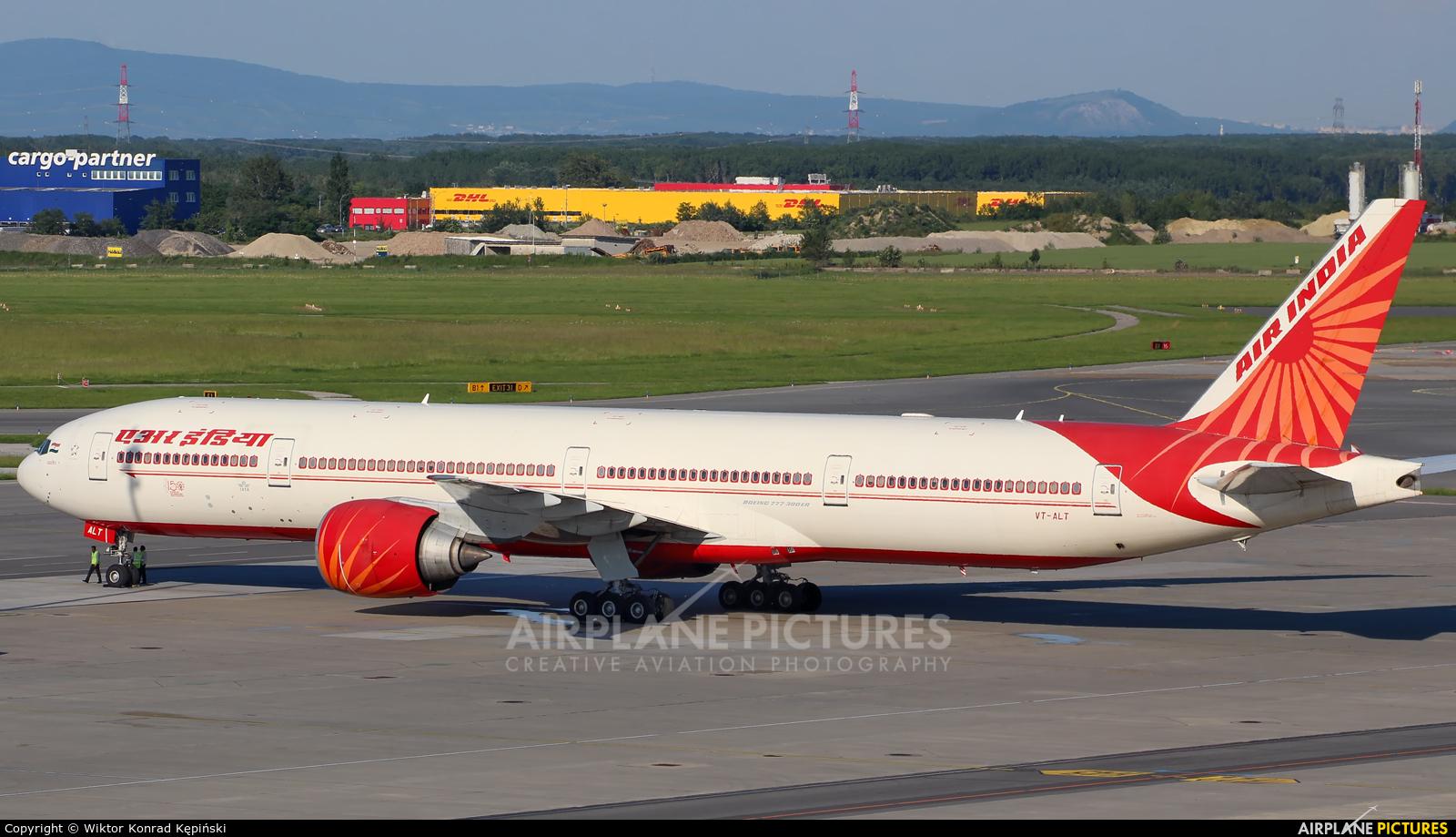 Air India VT-ALT aircraft at Vienna - Schwechat