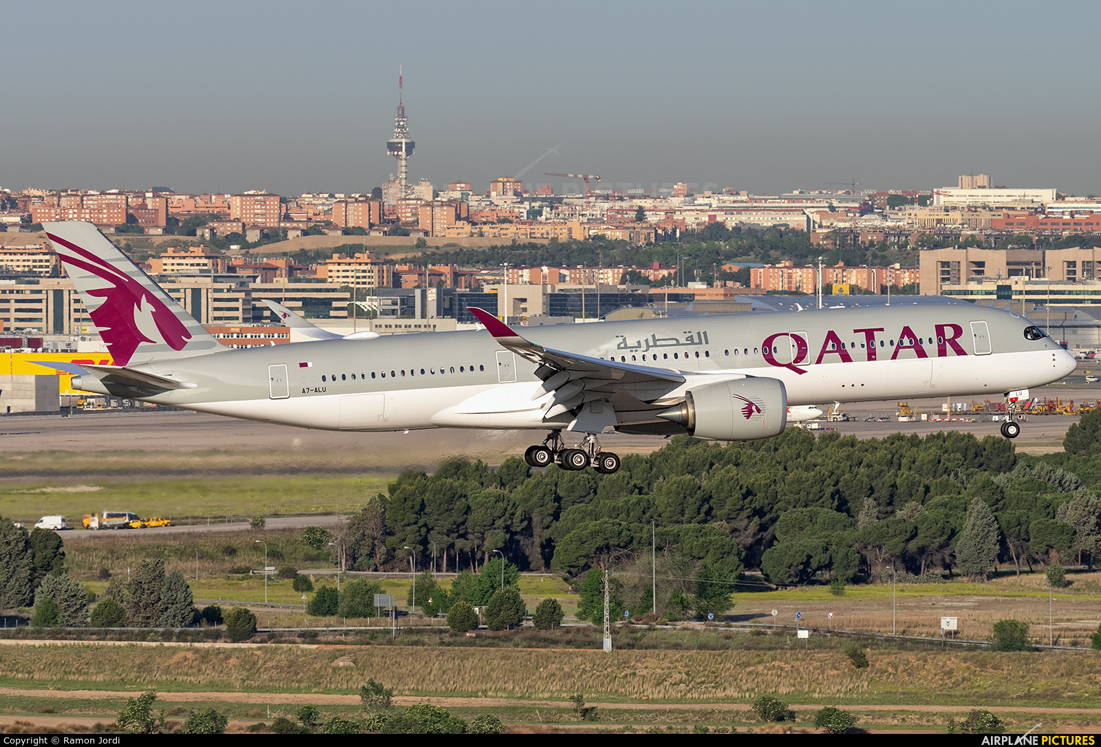 Qatar Airways A7-ALU aircraft at Madrid - Barajas
