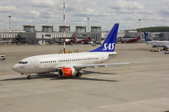 LN-RGK - SAS - Scandinavian Airlines Boeing 737-600