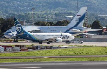 N530AS - Alaska Airlines Boeing 737-800