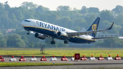 SP-RSA - Ryanair Sun Boeing 737-8AS