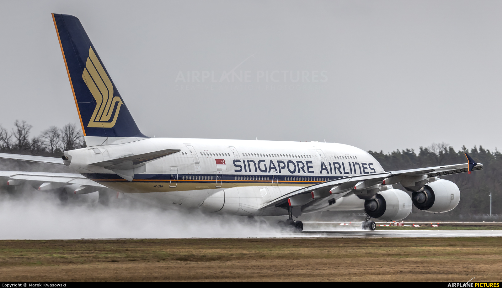 Singapore Airlines 9V-SKM aircraft at Frankfurt