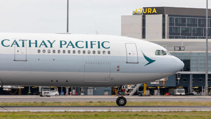 B-LAQ - Cathay Pacific Airbus A330-300