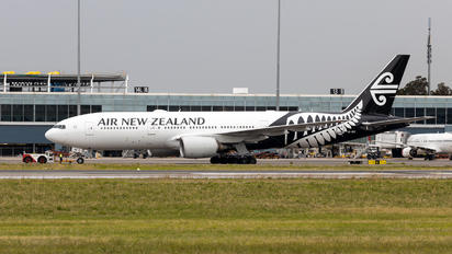 ZK-OKE - Air New Zealand Boeing 777-200ER