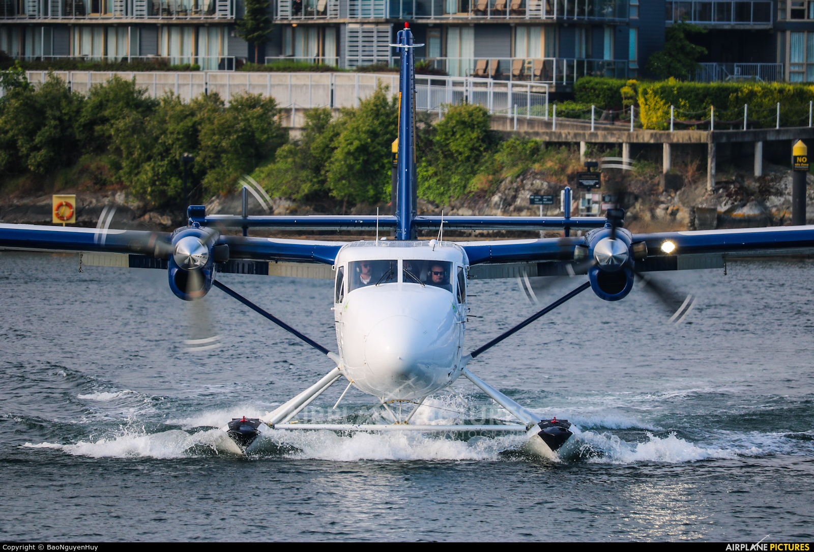 Harbour Air C-FGQH aircraft at Victoria Harbour, BC