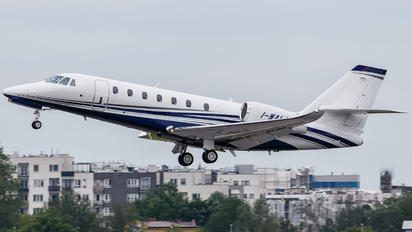 I-WALK - Private Cessna 680 Sovereign