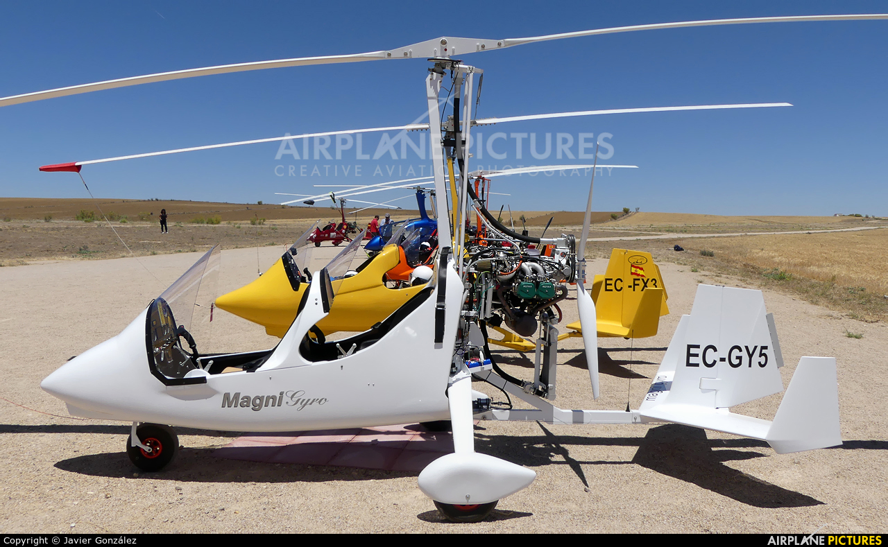 Private EC-GY5 aircraft at Camarenilla