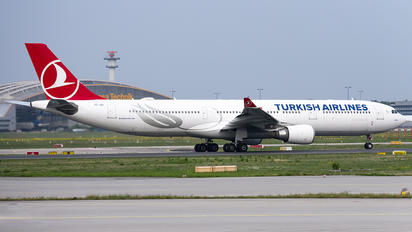 TC-JOL - Turkish Airlines Airbus A330-300