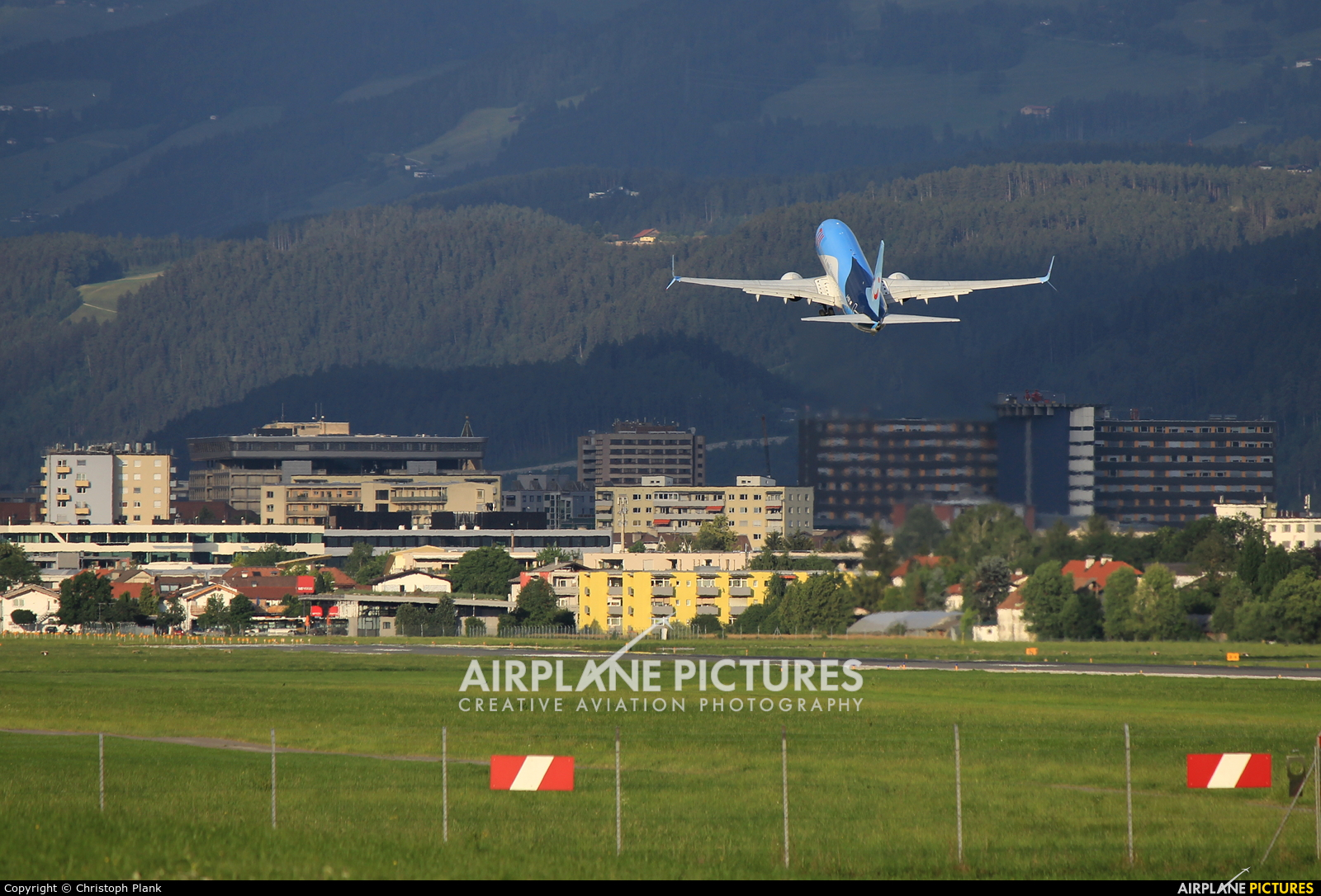 TUI Airways G-FDZS aircraft at Innsbruck