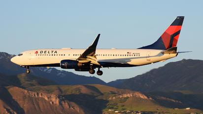 N3760C - Delta Air Lines Boeing 737-800