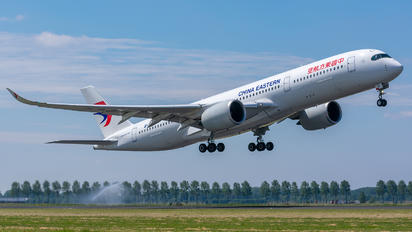 B-304D - China Eastern Airlines Airbus A350-900