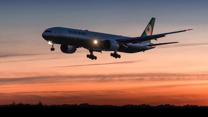 - - Eva Air Boeing 777-300ER