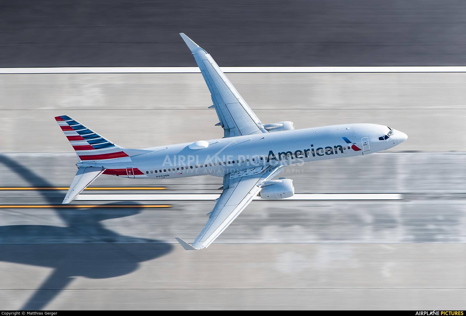 American Airlines N993NN aircraft at Los Angeles Intl