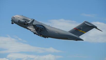 05-5142 - USA - Air Force Boeing C-17A Globemaster III