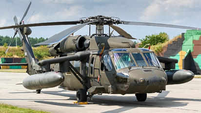 96-26688 - USA - Army Sikorsky UH-60L Black Hawk