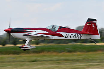 D-EAXY - Private Extra 330SC