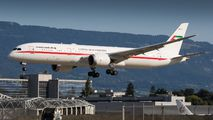 Rare visit of Abu Dhabi Amiri Flight B789 to Geneva title=
