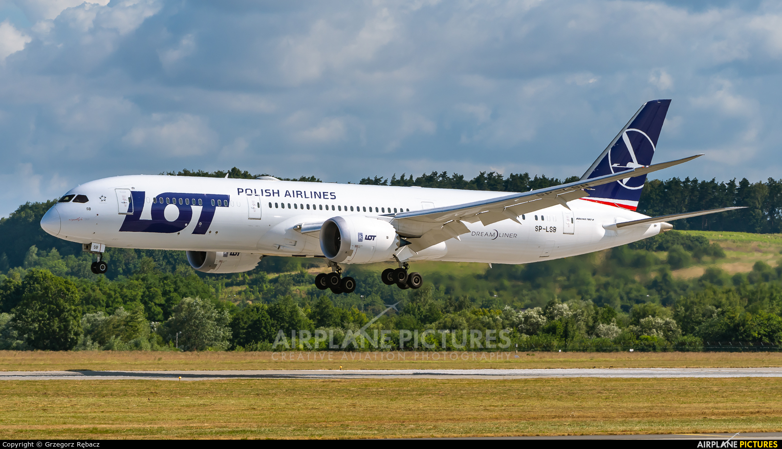 LOT - Polish Airlines SP-LSB aircraft at Kraków - John Paul II Intl