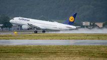 D-AIPT - Lufthansa Airbus A320 aircraft