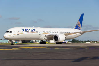 N17002 - United Airlines Boeing 787-10 Dreamliner
