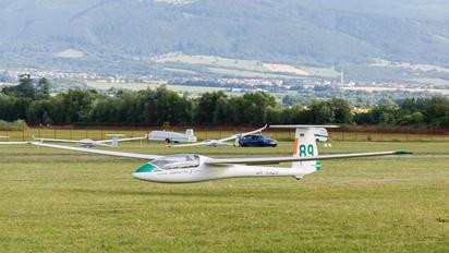 UR-KABV - Private PZL SZD-48 Jantar Standard 3