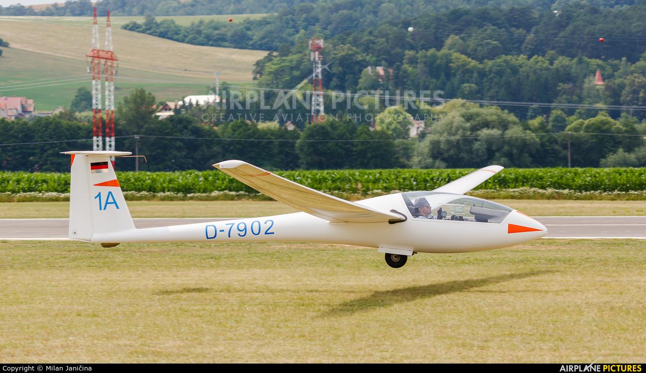 Private D-7902 aircraft at Prievidza