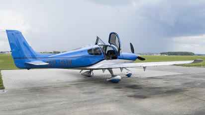 SP-SIX - Private Cirrus SR22T