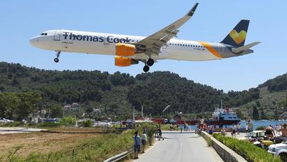 G-TCDD - Thomas Cook Airbus A321