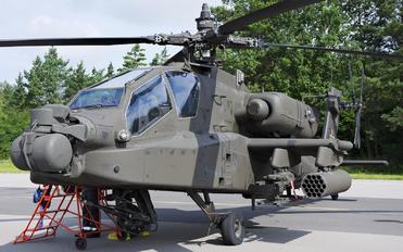 73145 - USA - Army Boeing AH-64E Apache