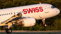 HB-IJL - Swiss Airbus A320 aircraft