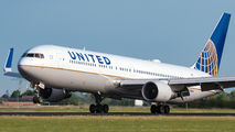 N662UA - United Airlines Boeing 767-300ER aircraft