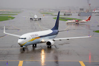 VT-TGB - Vistara Boeing 737-8AL(WL)