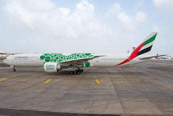 A6-EPF - Emirates Airlines Boeing 777-300ER