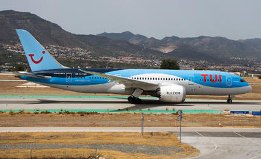 G-TUIC - TUI Airways Boeing 787-8 Dreamliner