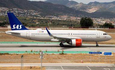 EI-SII - SAS - Scandinavian Airlines Airbus A320 NEO