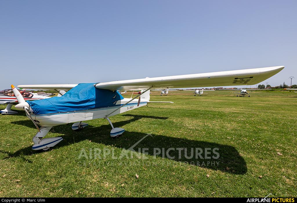 Private I-5057 aircraft at Sibari Fly