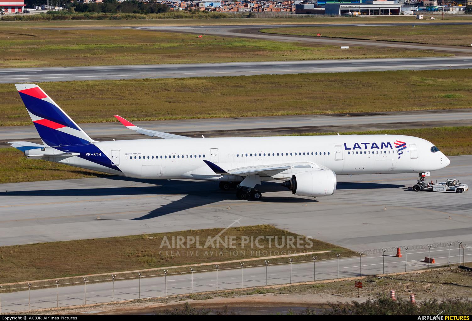LATAM PR-XTH aircraft at São Paulo - Guarulhos