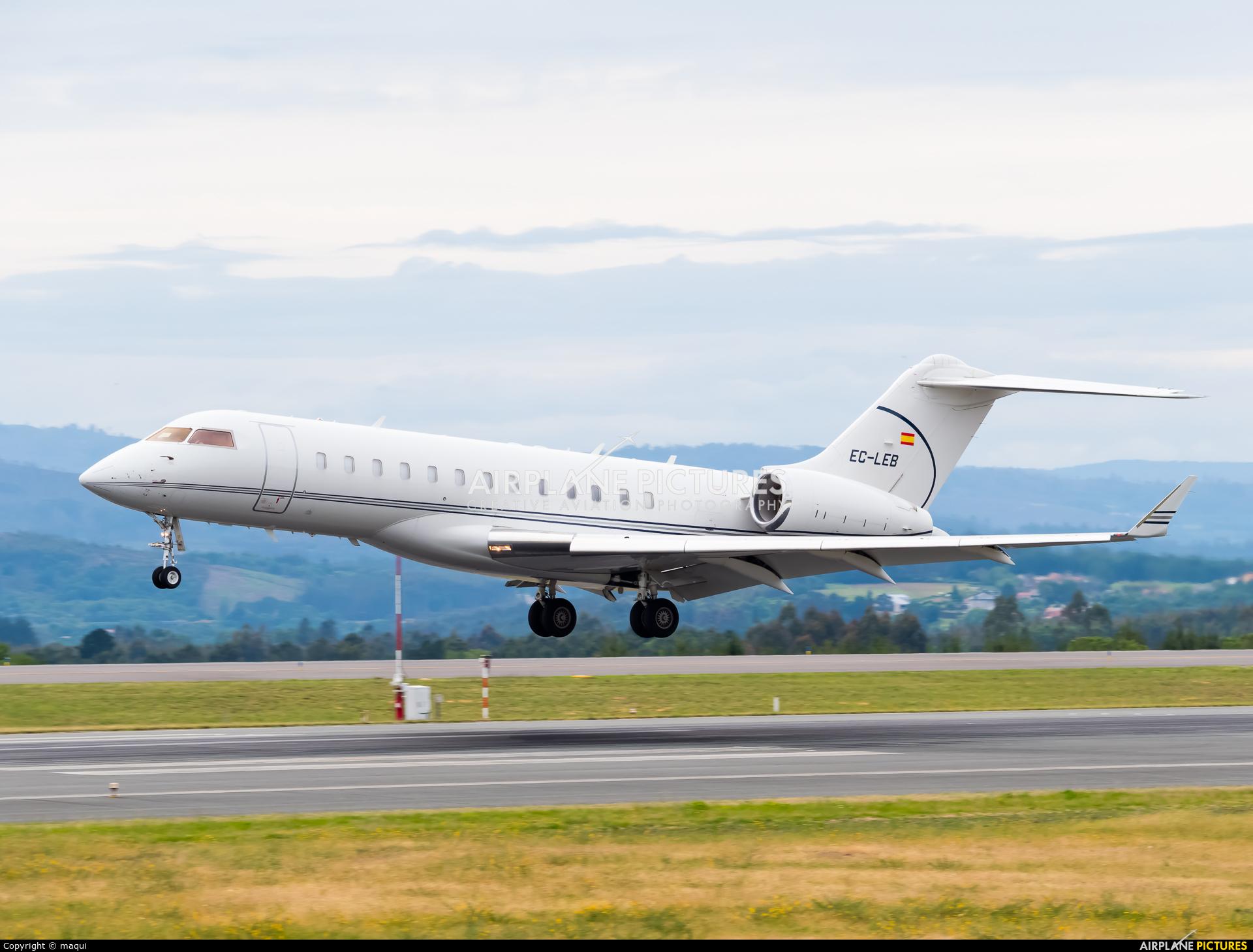 Gestair EC-LEB aircraft at Santiago de Compostela