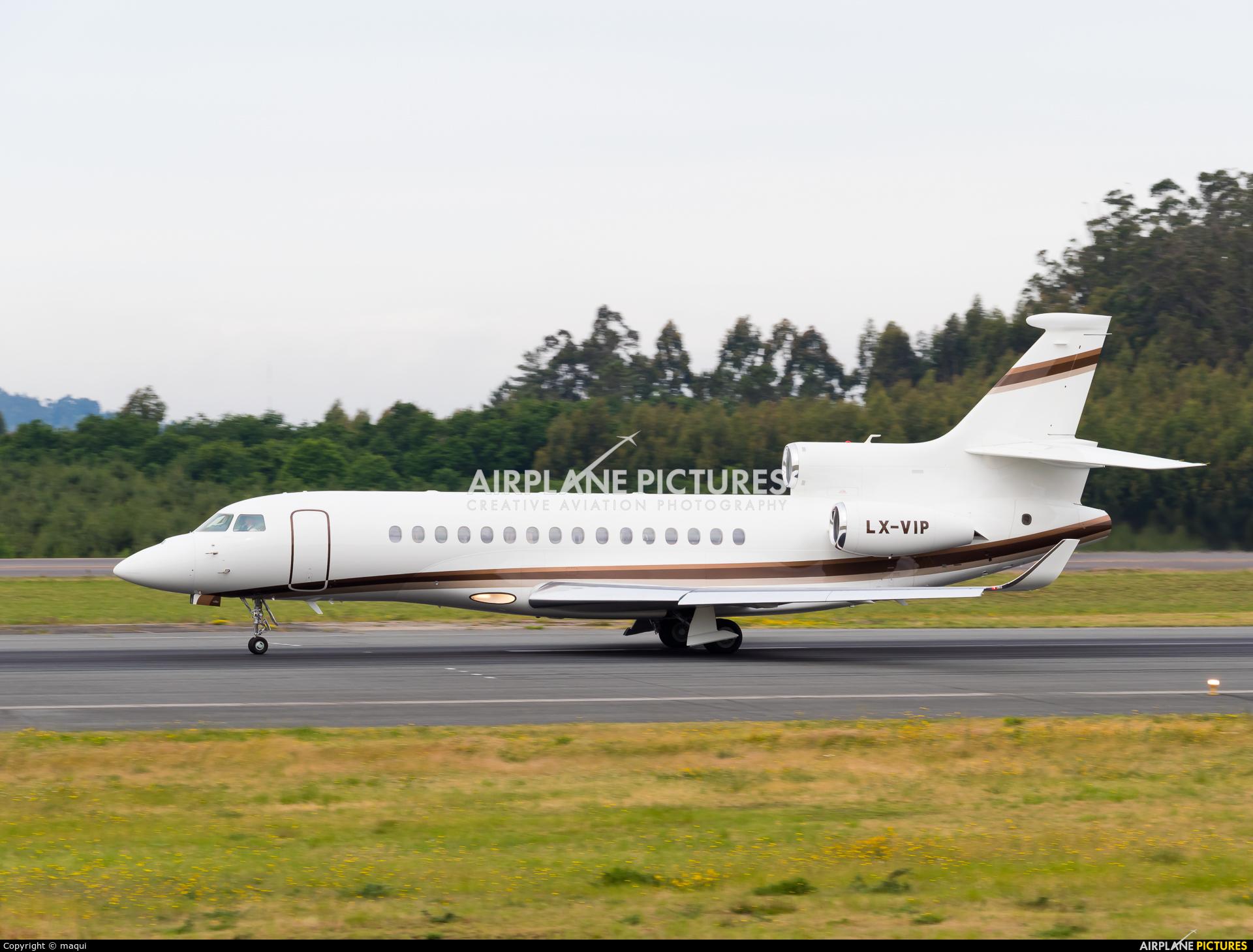 Global Jet Luxembourg LX-VIP aircraft at Santiago de Compostela