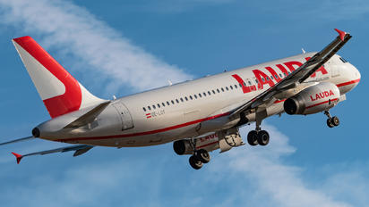 OE-LOY - LaudaMotion Airbus A320