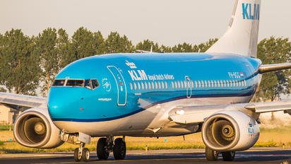 PH-BGG - KLM Boeing 737-700