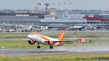G-EZWE - easyJet Airbus A320 aircraft
