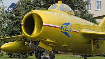403 - Wojskowe Zakłady Lotnicze Nr 2 PZL Lim-2