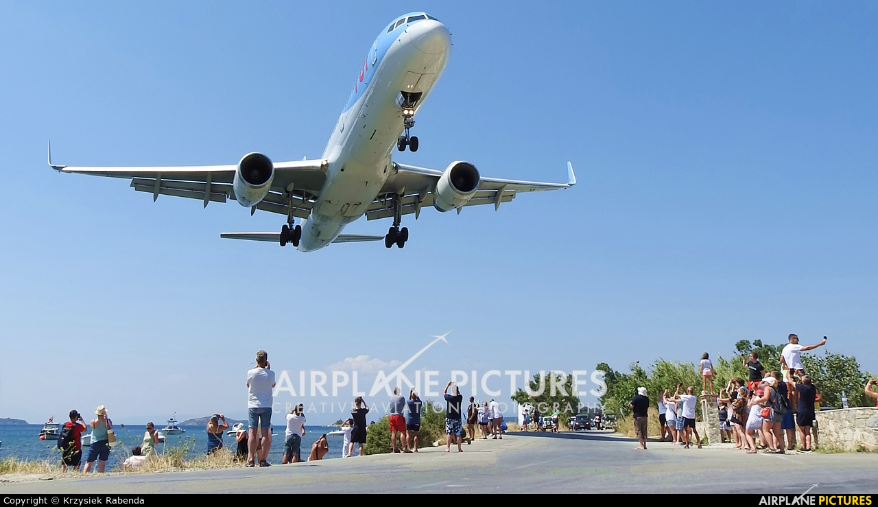 - Airport Overview JSI aircraft at Skiathos